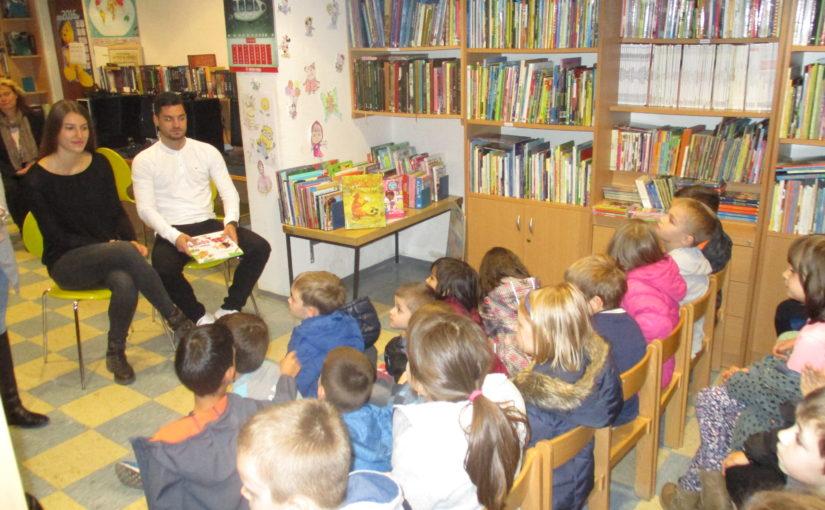 Posjet predškolaca knjižnici